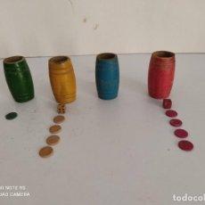 Giochi da tavolo: FICHAS Y CUBILETES DE MADERA DEL PARCHIS (MUY ANTIGUAS) RESERVADO. Lote 278425443