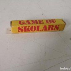 Jogos de mesa: EXTRAÑO JUEGO DE DADOS, GAME OF SKOLARS, EN CAJA ORIGINAL, COMPLETO, UNOS 10 CMS. DE LARGO. Lote 286611538
