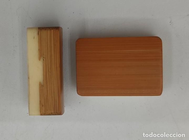 Juegos de mesa: Juego de mesa chino Mahjong, caja madera tallada con aplicaciones latón y fichas hueso y bambú. - Foto 10 - 287713138