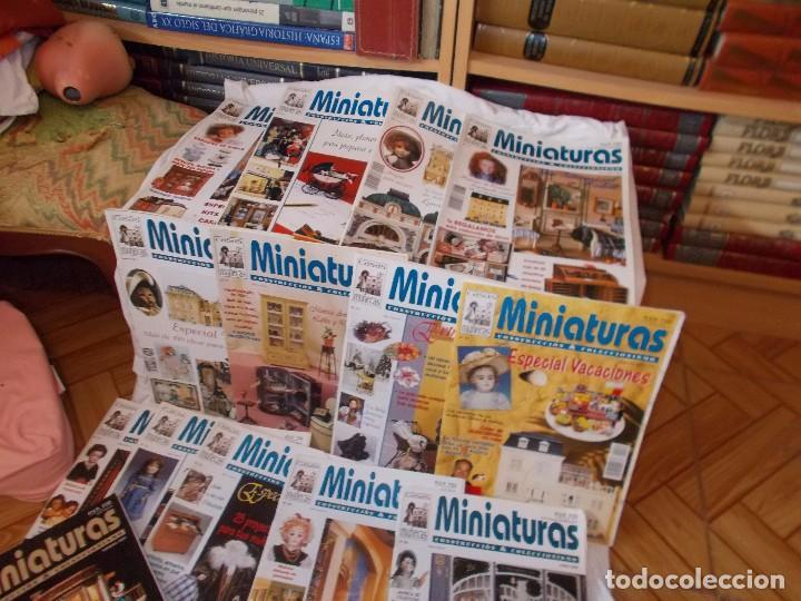 Juguetes antiguos: Gran lote de revistas ,casa de muñecas ,miniaturas , y muñecas de porcelana(ver fotos) - Foto 2 - 90887340