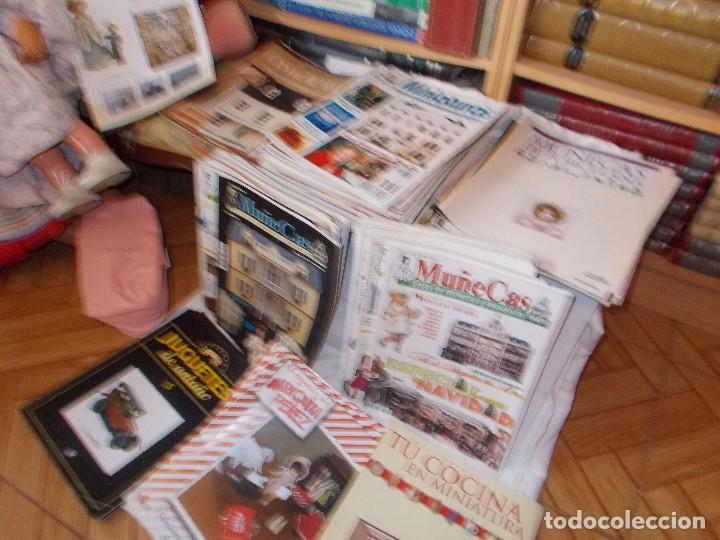 Juguetes antiguos: Gran lote de revistas ,casa de muñecas ,miniaturas , y muñecas de porcelana(ver fotos) - Foto 13 - 90887340
