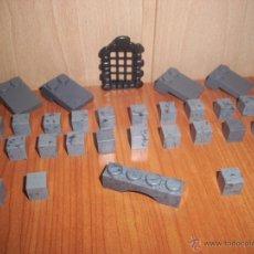 Juguetes antiguos Exin: EXIN CASTILLOS: LOTE DE 30 PIEZAS GRISES VARIADAS. Lote 47160481