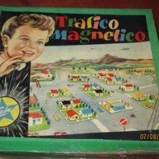 Juguetes antiguos Exin: ANTIGUO JUEGO TRAFICO MAGNETICO CON CAJA DE MADERA DE EXIN - AÑO 1960S.. Lote 50653799