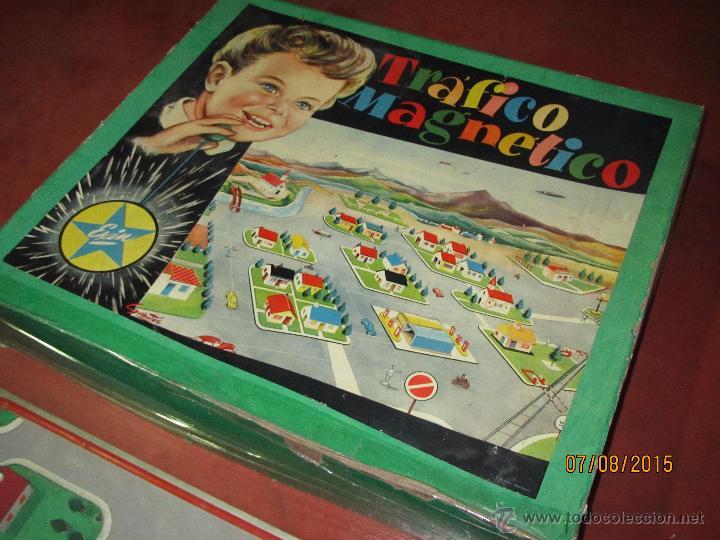 Juguetes antiguos Exin: Antiguo Juego TRAFICO MAGNETICO con Caja de Madera de EXIN - Año 1960s. - Foto 5 - 50653799