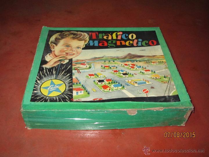Juguetes antiguos Exin: Antiguo Juego TRAFICO MAGNETICO con Caja de Madera de EXIN - Año 1960s. - Foto 6 - 50653799