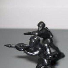 Juguetes antiguos Exin: EXIN CASTILLOS LOTE 2 BALLESTEROS ARQUEROS NEGROS ------- (REF-HAMIMU1CEORARRCAZATE). Lote 53577464