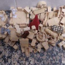 Juguetes antiguos Exin: LOTE DE PIEZAS EXIN CASTILLO Y 2 FANTASMAS Y UN MUÑECO UNOS 400 GRAMOS. Lote 68795685