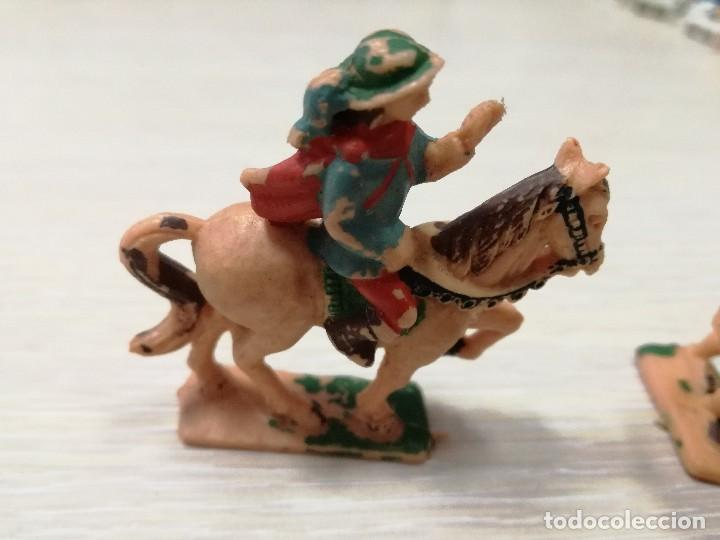 Juguetes antiguos Exin: LOTE FIGURAS ORIGINALES CABALLERO Y BALLESTEROS ARQUEROS EXIN CASTILLOS AÑOS 70 - Foto 3 - 129177179