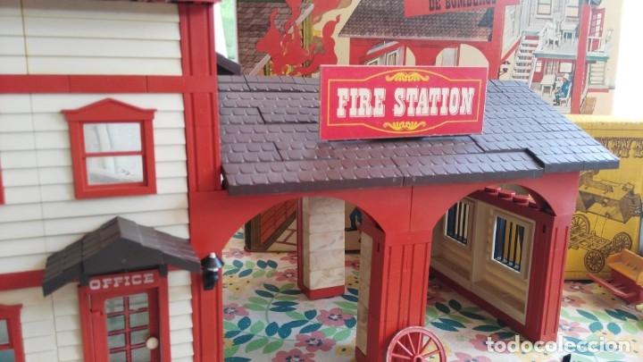 Juguetes antiguos Exin: parque de bomberos EXIN WEST EXINWEST COCHE DE BOMBEROS PERSONAJES Y MAS EN CAJA - Foto 25 - 121982847