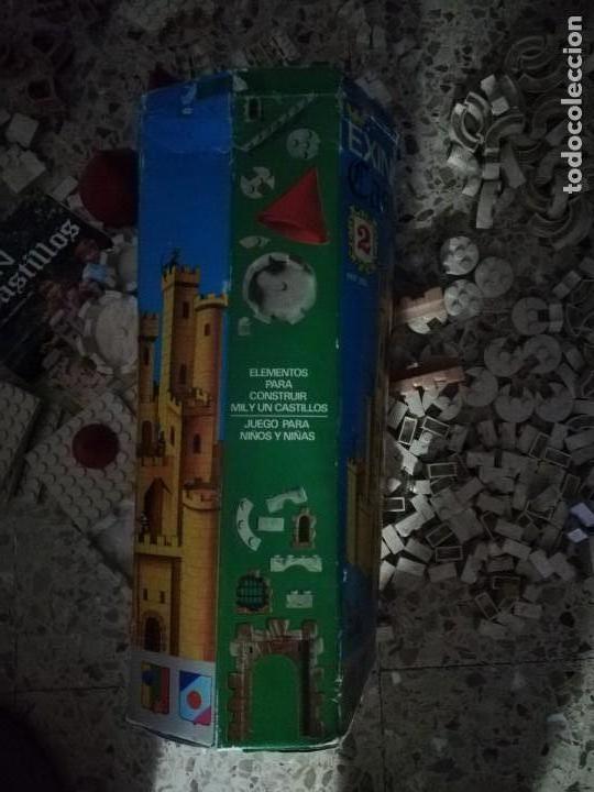 Juguetes antiguos Exin: EXIN CASTILLOS 2 se vende lo que se ve en fotos, unas 580 piezas .tapa reparada - Foto 7 - 145555542
