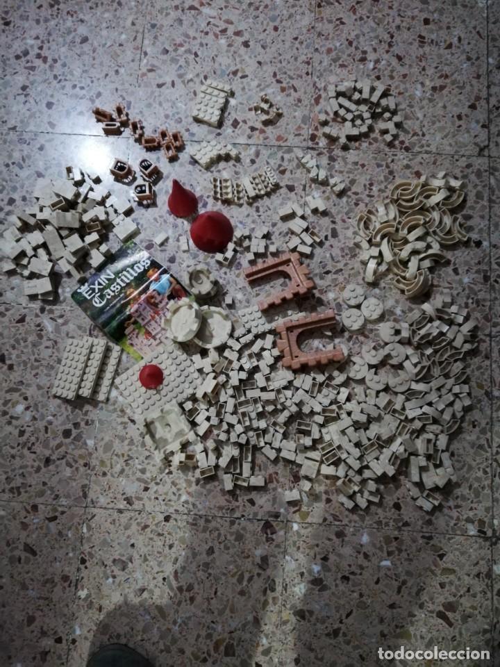 Juguetes antiguos Exin: EXIN CASTILLOS 2 se vende lo que se ve en fotos, unas 580 piezas .tapa reparada - Foto 4 - 145555542