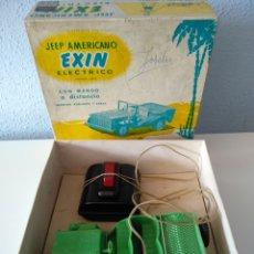 Juguetes antiguos Exin: EXIN, ANTIGUO JEEP AMERICANO ELECTRICO, CON CAJA. Lote 196280547