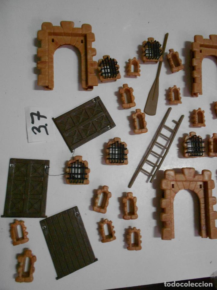 Juguetes antiguos Exin: GRAN LOTE ANTIGUO EXIN CASTILLO CON INSTRUCCIONES, BASES, MUCHAS PIEZAS Y FIGURAS DIVERSAS - Foto 8 - 200741315