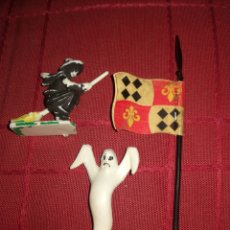 Juguetes antiguos Exin: FIGURAS Y BANDERA EXIN CASTILLO ORIGINAL. Lote 207231757