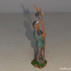 Giocattoli antichi Exin: EXIN CASTILLOS : ANTIGUO SOLDADO MEDIEVAL CON ALABARDA GUARDIA ENTRADA FIGURA PLASTICO AÑOS 70. Lote 222801161