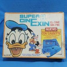 Brinquedos antigos Exin: PROYECTOR DE CINE - CINEXIN SUPER 8 - EXIN - CON 5 CASSETTES (PELÍCULAS). Lote 238566300