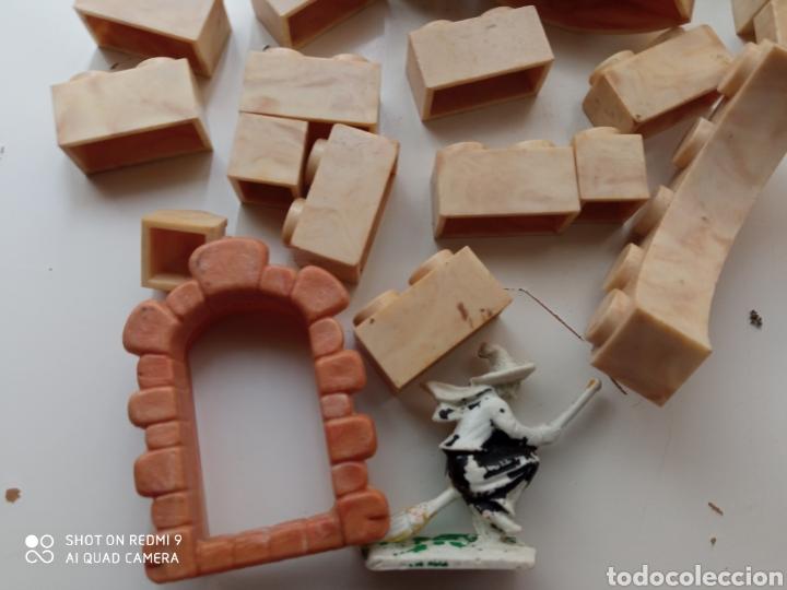 Juguetes antiguos Exin: Exin Castillos. Lote de 43 piezas y una figura. - Foto 2 - 239398600