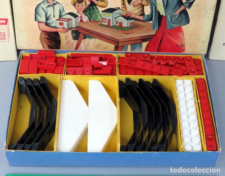 Juguetes antiguos Exin: Arquitectura Exin caja con catálogo modelos instrucciones años 50 - 60 dibujo Sabatés buen estado - Foto 3 - 269415183