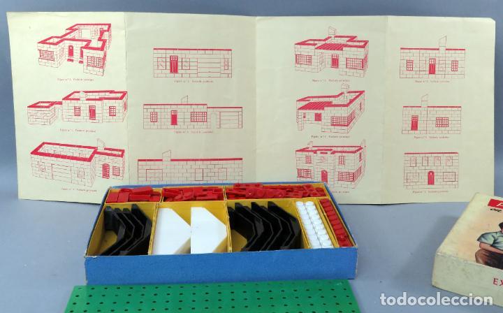 Juguetes antiguos Exin: Arquitectura Exin caja con catálogo modelos instrucciones años 50 - 60 dibujo Sabatés buen estado - Foto 5 - 269415183