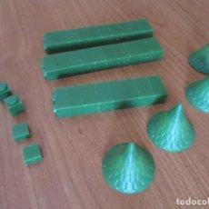 Juguetes antiguos Exin: EXIN CASTILLOS PDJ: 1 LOTE DE 37 PIEZAS VERDES VARIADAS. Lote 278217913