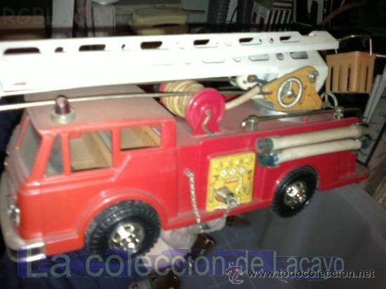 Juguetes antiguos Gozán: ANTIGUO CAMION DE BOMBEROS, DE HOJALATA, DE LA CASA GOZAN. AÑOS 60 - Foto 3 - 25487440