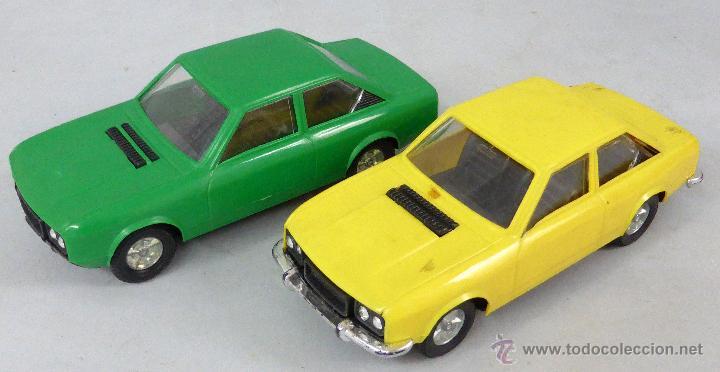 Juguetes antiguos Gozán: Camión Portacoches R 5 Gozán con caja Ref 515 con Seat 124 Sport y 1800 1/23 - Foto 7 - 49321789