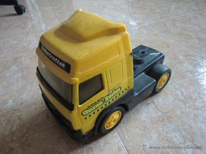 Juguetes antiguos Gozán: Camión con remolque VOLVO GOZAN SERIES. De hierro y plástico. Fabricado en España. Gran tamaño - Foto 5 - 53631912