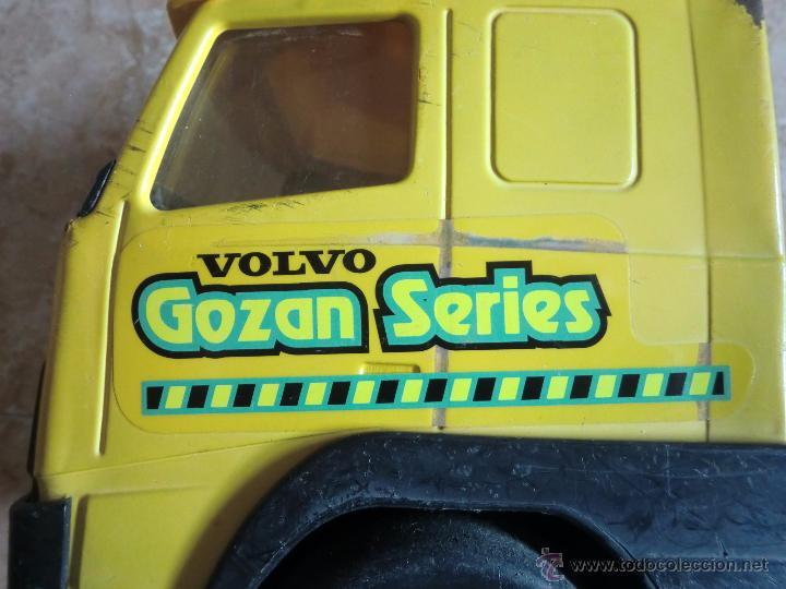 Juguetes antiguos Gozán: Camión con remolque VOLVO GOZAN SERIES. De hierro y plástico. Fabricado en España. Gran tamaño - Foto 7 - 53631912