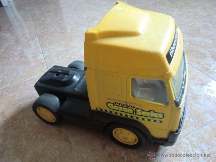 Juguetes antiguos Gozán: Camión con remolque VOLVO GOZAN SERIES. De hierro y plástico. Fabricado en España. Gran tamaño - Foto 10 - 53631912