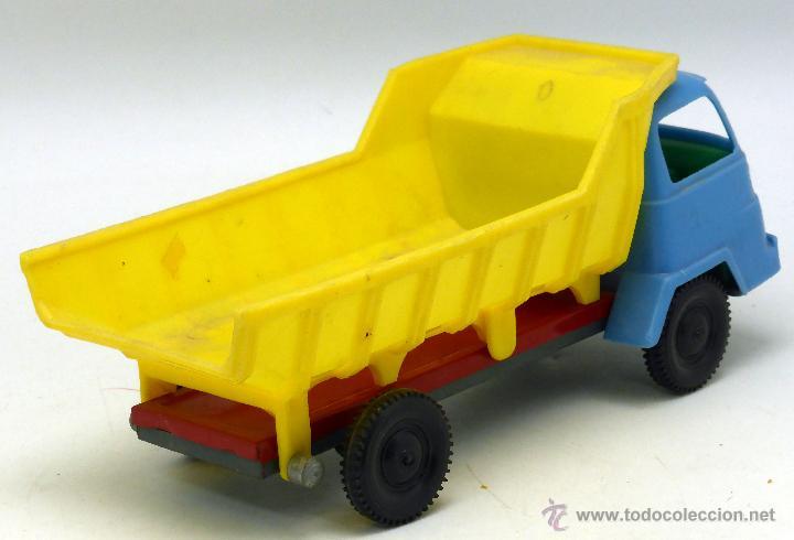 Juguetes antiguos Gozán: Camión volquete Gozán chasis lata y resto plástico años 60 - Foto 3 - 55052500