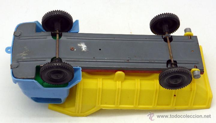 Juguetes antiguos Gozán: Camión volquete Gozán chasis lata y resto plástico años 60 - Foto 4 - 55052500