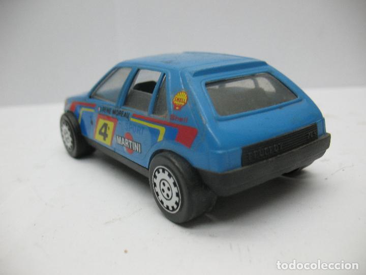 Juguetes antiguos Gozán: GOZAN - Coche Peugeot MARTINI Shell de plástico fabricado en España - Foto 3 - 70145773