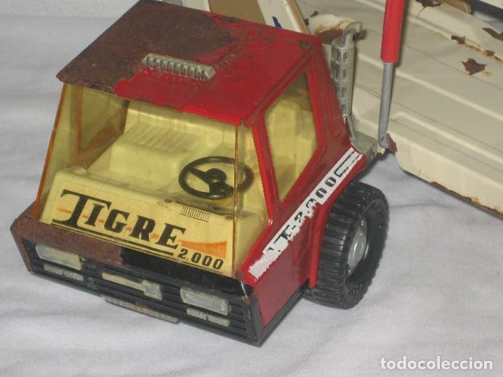Juguetes antiguos Gozán: Antiguo Camión Coche Hojalata Juguete Años 70 Tigre 2000. España. Gozan. 56Cm - Foto 8 - 78157777
