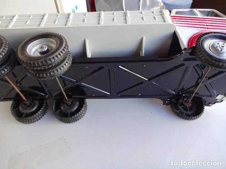 Juguetes antiguos Gozán: Camion Transportes PEGASO. GOZAN. Cabina metálica. Caja de plástico. 47 ctms.. - Foto 5 - 86015036