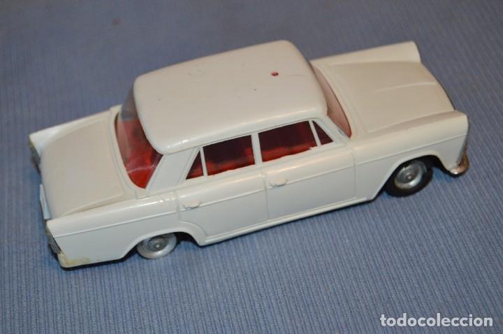 Juguetes antiguos Gozán: Antiguo coche SEAT 1500 de GOZÁN - Made In Spain ¡PRECIOSO! - Mira - Foto 2 - 97719067