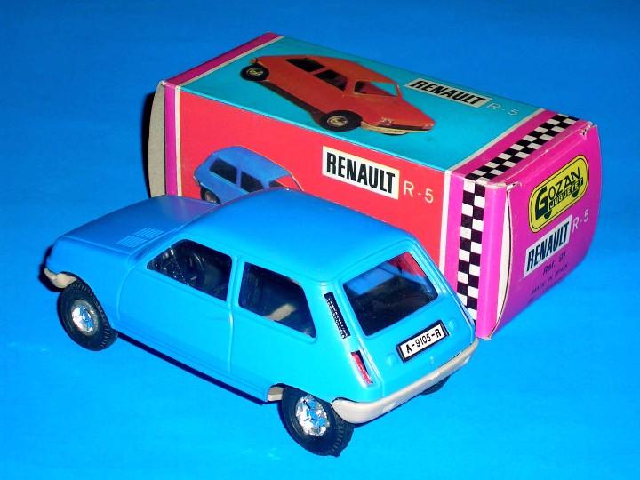 Juguetes antiguos Gozán: Renault 5 azul ref. 91 fabricado en plástico, esc. 1/28 por la casa Gozán, años 70. - Foto 2 - 104657656