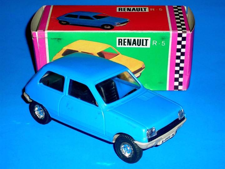 Juguetes antiguos Gozán: Renault 5 azul ref. 91 fabricado en plástico, esc. 1/28 por la casa Gozán, años 70. - Foto 3 - 104657656