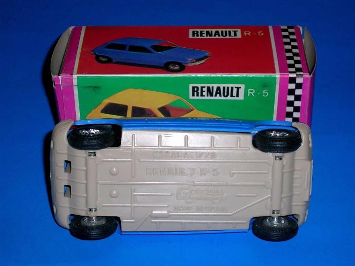 Juguetes antiguos Gozán: Renault 5 azul ref. 91 fabricado en plástico, esc. 1/28 por la casa Gozán, años 70. - Foto 4 - 104657656