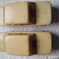 2 cochecitos Gozan, seat 124, chapa y plástico.