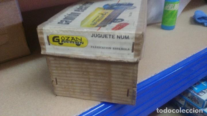 Juguetes antiguos Gozán: ANTIGUA CAJA DE CAMION GOZAN CAMION ELECTRICO VOLQUETE Y TOLDO - Foto 3 - 121967651