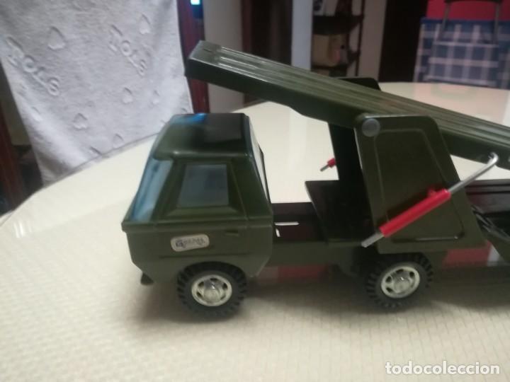 Juguetes antiguos Gozán: Antiguo camión de gozan militar en su caja miren fotos - Foto 7 - 146793070