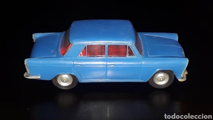 Juguetes antiguos Gozán: Seat 1500, fabricado en plástico con chasis metálico, esc. 1/32, Gozán Ibi Spain, original años 60. - Foto 5 - 168975380