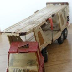 Juguetes antiguos Gozán: CAMION TIGRE 2000 TRANSPORTE DE COCHES DE GOZAN - TIGRE CAR-2 TRÁILER AÑOS 80 PRIMEROS HOJALATA. Lote 177261123