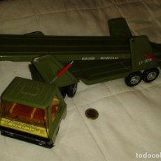 Brinquedos antigos Gozán: CAMIÓN GOZÁN PORTACOCHES EJERCITO. Lote 193433113