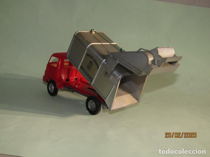 Juguetes antiguos Gozán: Antiguo Camión Tipo Barreiros Recogida de Basura Basculante de GOZAN - Foto 4 - 194722443