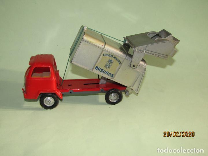 Juguetes antiguos Gozán: Antiguo Camión Tipo Barreiros Recogida de Basura Basculante de GOZAN - Foto 6 - 194722443