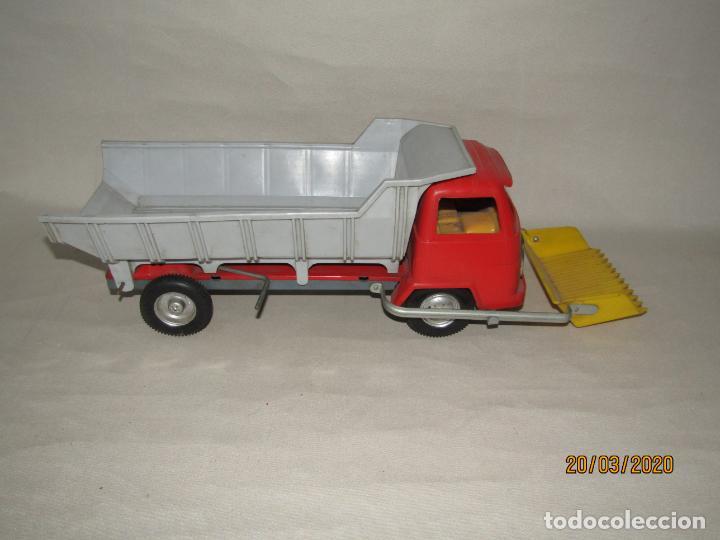 Juguetes antiguos Gozán: Antiguo Camión Tipo Barreiros Tamaño Grande con Pala Cargadora y Volquete de Juguetes GOZAN de Ibi - Foto 7 - 197772936