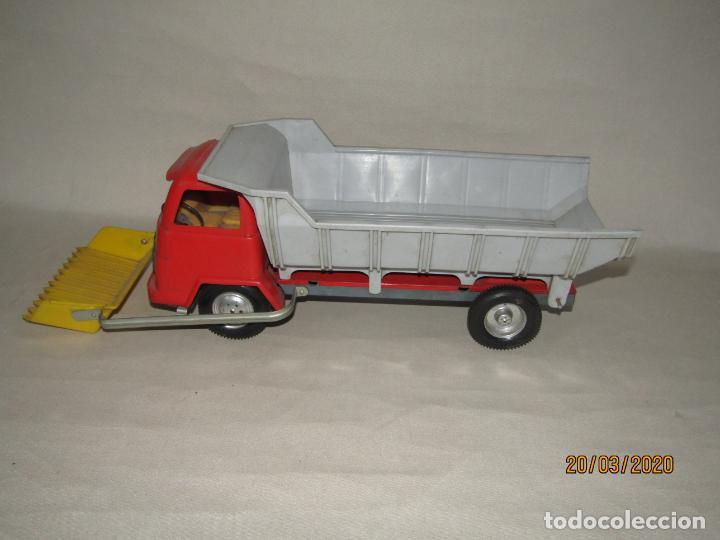 Juguetes antiguos Gozán: Antiguo Camión Tipo Barreiros Tamaño Grande con Pala Cargadora y Volquete de Juguetes GOZAN de Ibi - Foto 8 - 197772936