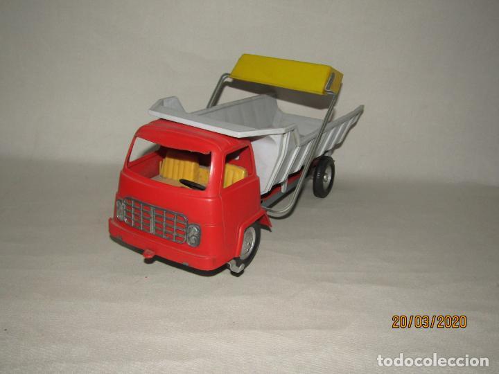 Juguetes antiguos Gozán: Antiguo Camión Tipo Barreiros Tamaño Grande con Pala Cargadora y Volquete de Juguetes GOZAN de Ibi - Foto 9 - 197772936