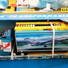 Juguetes antiguos Gozán: GOZAN SUPERTRAILER TRANSFORMABLE AIRPORT CAMION CON AVIONES A ESTRENAR. Lote 218324635